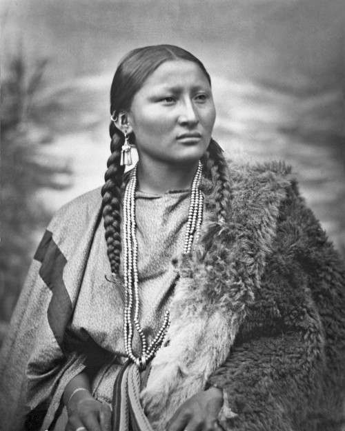 cheyenne_woman_pretty_nose_1879_restored